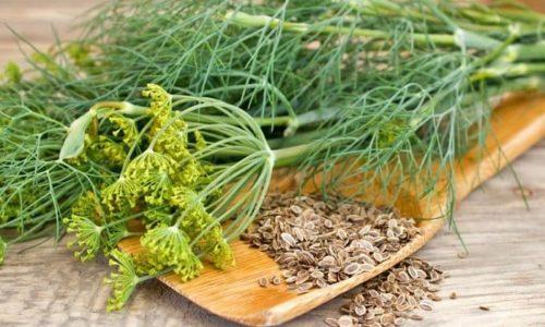 Можно лечится семенами укропа. 2 ложки семян залить 100 мл кипятка, довести до кипения. Разделить на 2 равные части и пить в течение суток