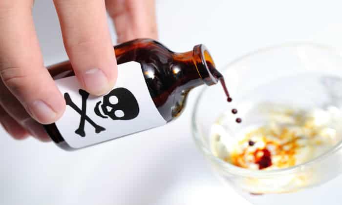 Причины икоты могут быть токсикологического характера