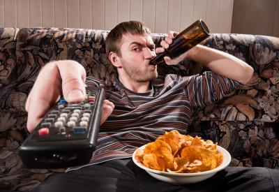 Наиболее распространенные причины диспепсии - неправильное питание и отсутствие культуры принятия пищи