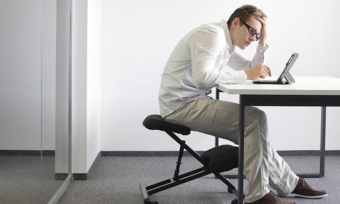 Геморроидальные узлы возникают из-за сидячей работы