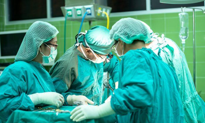 Очень часто хирургическое вмешательство тоже негативно влияет на организм человека и его отдельные органы, особенно если операция проводилась над органами пищеварительного тракта