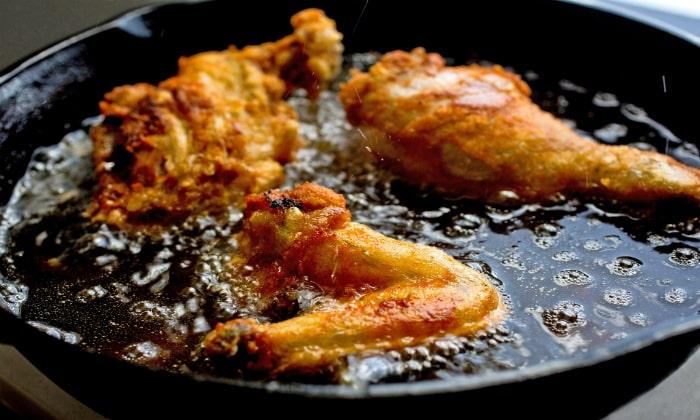 Язвенная болезнь появляется вследствие употребления жареных блюд