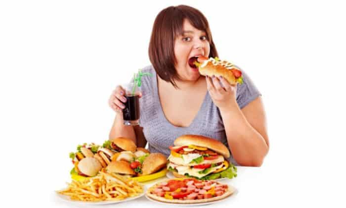 Объяснение боли слева под ребрами после еды может крыться неправильное питание