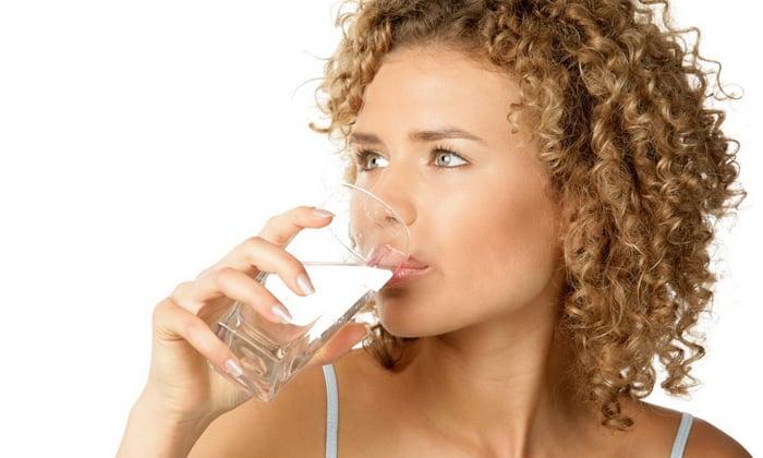 Больной должен пить достаточное количество очищенной натуральной воды