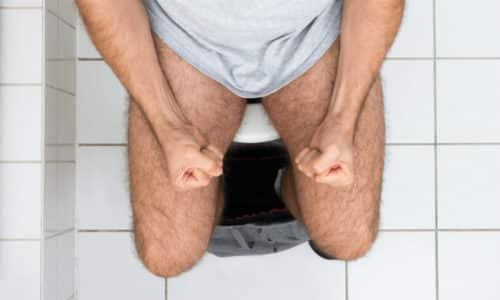 Боль, урчание, вздутие живота и выделение слизи при испражнении может быть признаком такого заболевания, как колит