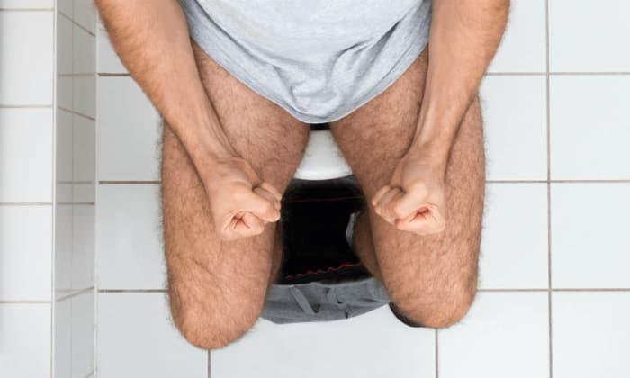 Клиническими проявлениями синдрома интоксикации является диарея с частотой более 10 раз в сутки