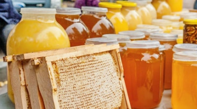 Хорошим слабительным эффектом обладает мед