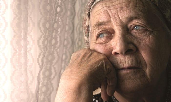 При развитии дивертикулеза кишечника происходит образование патологических мешочков, обычно он развивается у людей старшего возраста