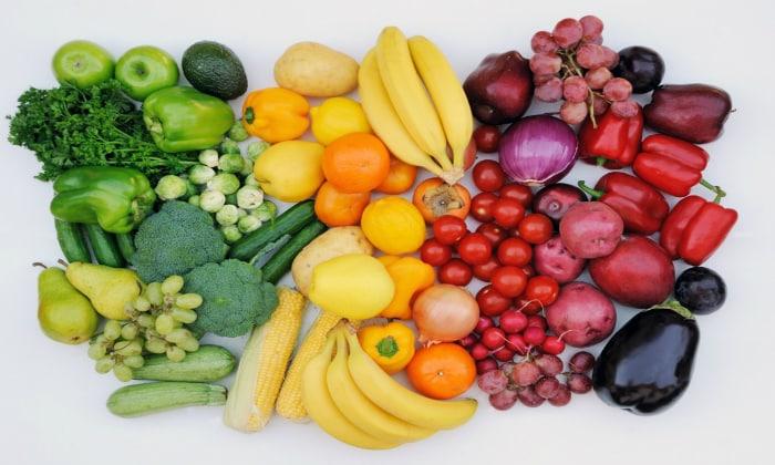 Сырые овощи и фрукты можно будет кушать только после того, как пациент полностью выздоровеет