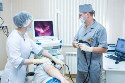 Определить источник, который провоцирует столь неприятный симптом, сможет только специалист после диагностики и тщательного обследования