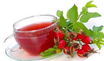 Полезно использовать ягоды боярышника. Понадобится всего 5 г сухих ягод залить стаканом воды и варить 15 минут. Принимать нужно по ложке трижды в день