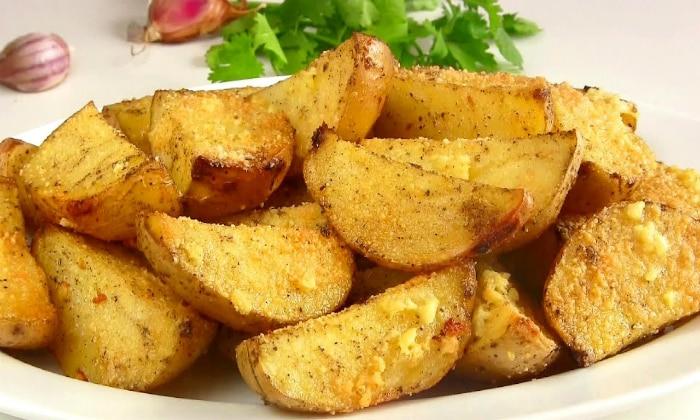 Если у человека гнилостный тип диареи, то тут, наоборот, нельзя кушать белковую пищу и следует переходить на продукты, которые содержат больше углеводов, например картофель
