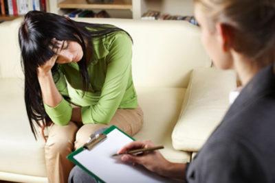 Кроме того, врач обязательно направит пациентку на консультацию к психотерапевту или психологу