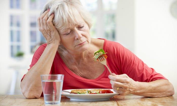 К болевым симптомам, как правило, присоединяется отсутствие аппетита