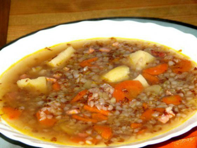 Подготавливаясь к исследованию, пациент должен употреблять в пищу супы и гречневую, перловую каши