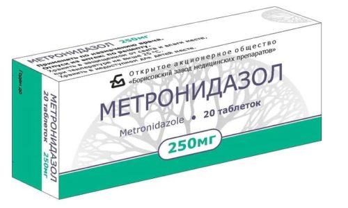 Антибиотик назначают в тяжелых случаях протекания болезни, например, Метронидазол