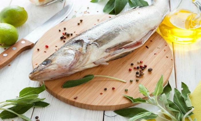 Разрешается употреблять в пищу рыбу нежирных сортов