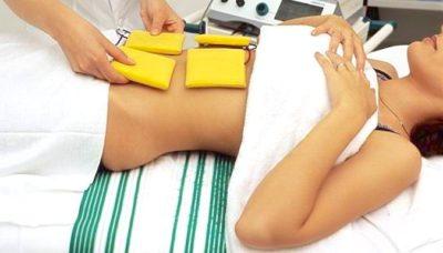 Лечить спайки можно с помощью физиотерапии. Она дает возможность эффективно справиться с недугом