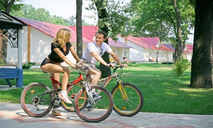 Катания на велосипеде также входят в курс лечения