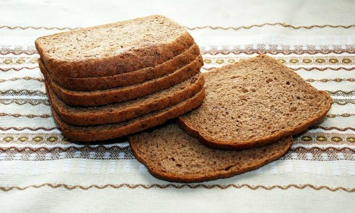 Минимум за два дня до проведения обследования пациента переводят на специальную диету, из которой исключен черный хлеб