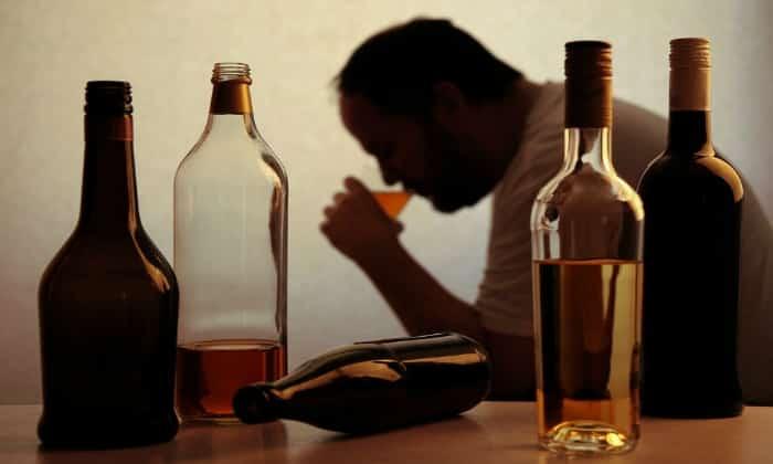 Способствовать развитию болезни может алкоголизм