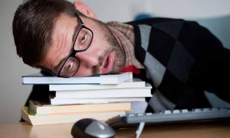 Помимо типичных проявлений хронический холецистит может иметь атипические формы проявления в виде сонливости