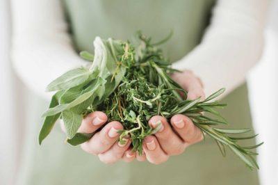 Лечение при помощи трав и сборов лекарственных растений необходимо согласовать с лечащим врачом
