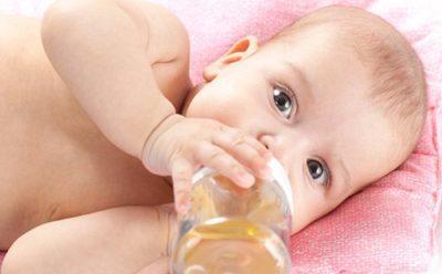 В возрасте старше 1 месяца количество капель постепенно увеличивают до 30