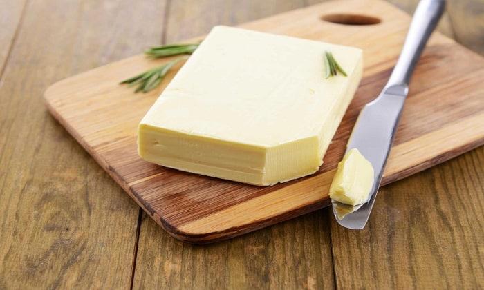 В незначительных количествах при панкреатите допускается употребление сливочного масла