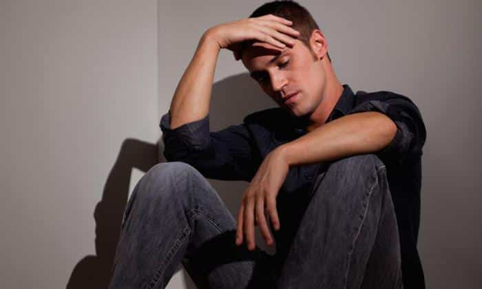 Депрессия может спровацировать вздутие живота