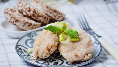 Самое простое и полезное блюдо для больных - это куриные котлетки