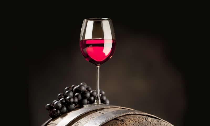 Под запретом алкогольные напитки