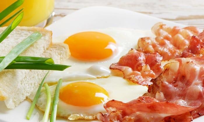 Жаренные яйца запрещены при панкреатите