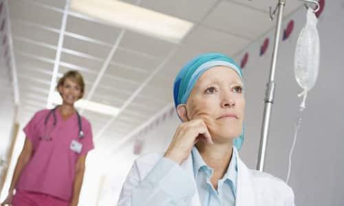 Пи лечение онкологии,  в организм вводятся препараты, которые обезвоживают организм