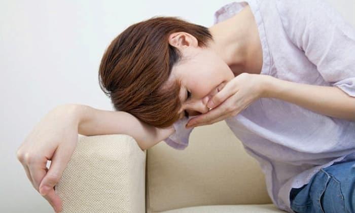 Тошнота - один из симптомов острого панкреатита