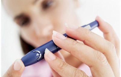 При диабете головокружение, сонливость и постоянное чувство жажды вызывает превышенный или пониженный уровень сахара крови
