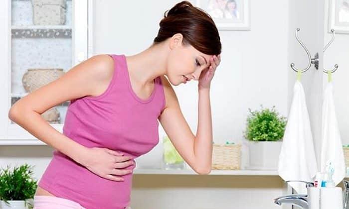 Привести к смещению желудка могут частые беременности и роды, особенно осложненные