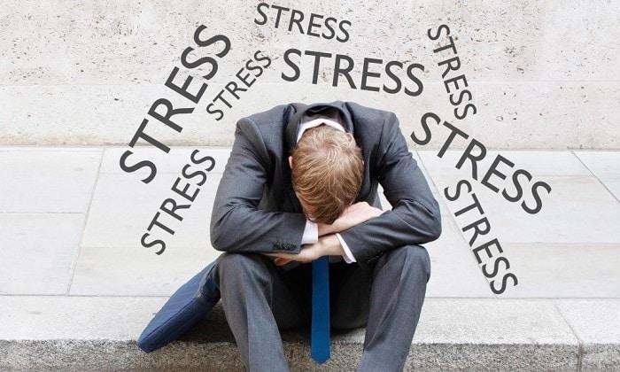 Частые стрессовые ситуации могут стать фактором развития болезни