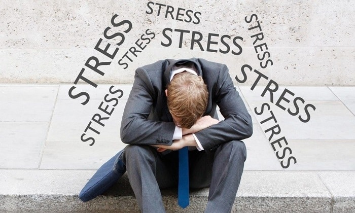 Причиной вздутия живота может быть стресс