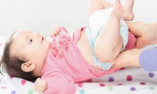 Когда родители обнаруживают белые комочки в кале у грудничка, это становится поводом для сильного беспокойства