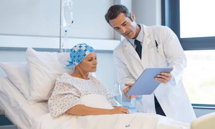 Скопление жидкости в брюшине появляется при раке печени, сердца, почек