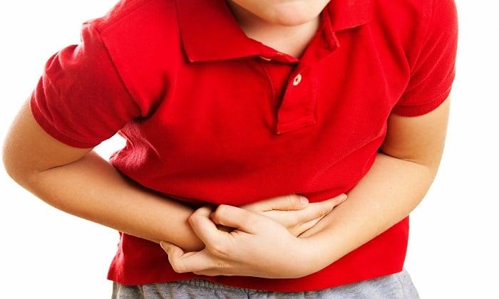 Общая симптоматика аппендицита выражается в боли, которая распределяется по всему животу