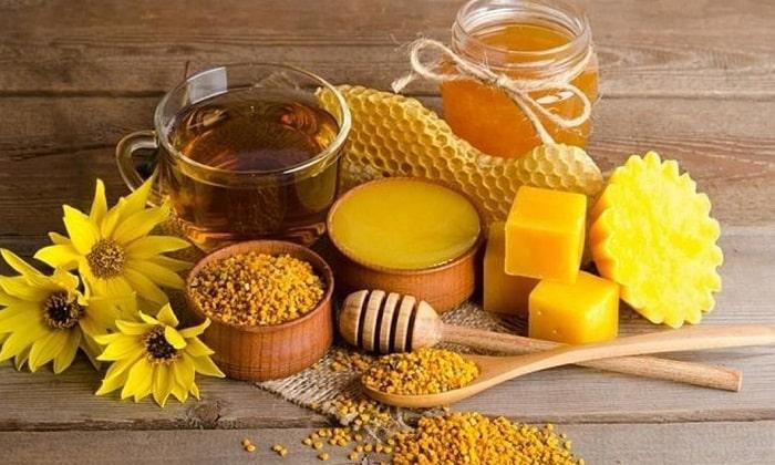 Снять воспаление и уничтожить бактерии способны продукты пчеловодства