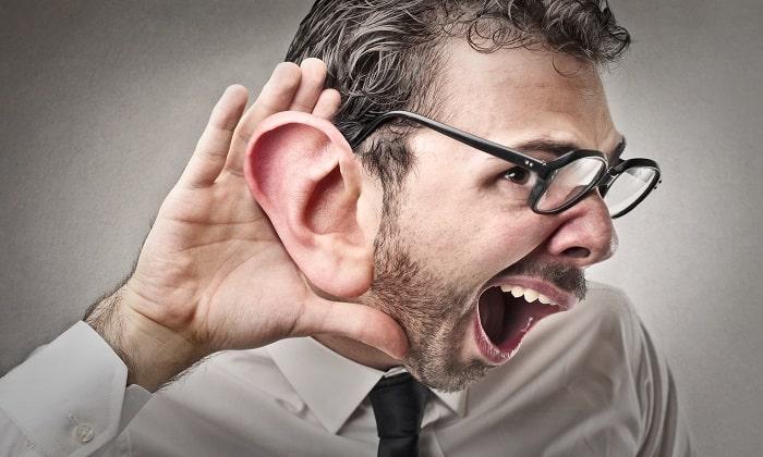 При снижение слуха препарат не назначается