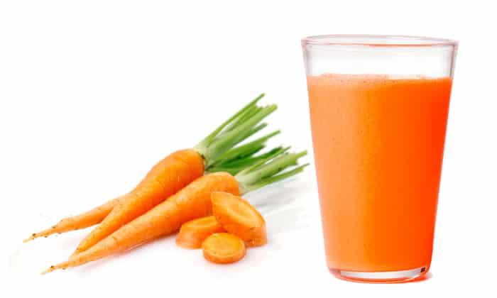 Морковный сок будет полезен при болезни