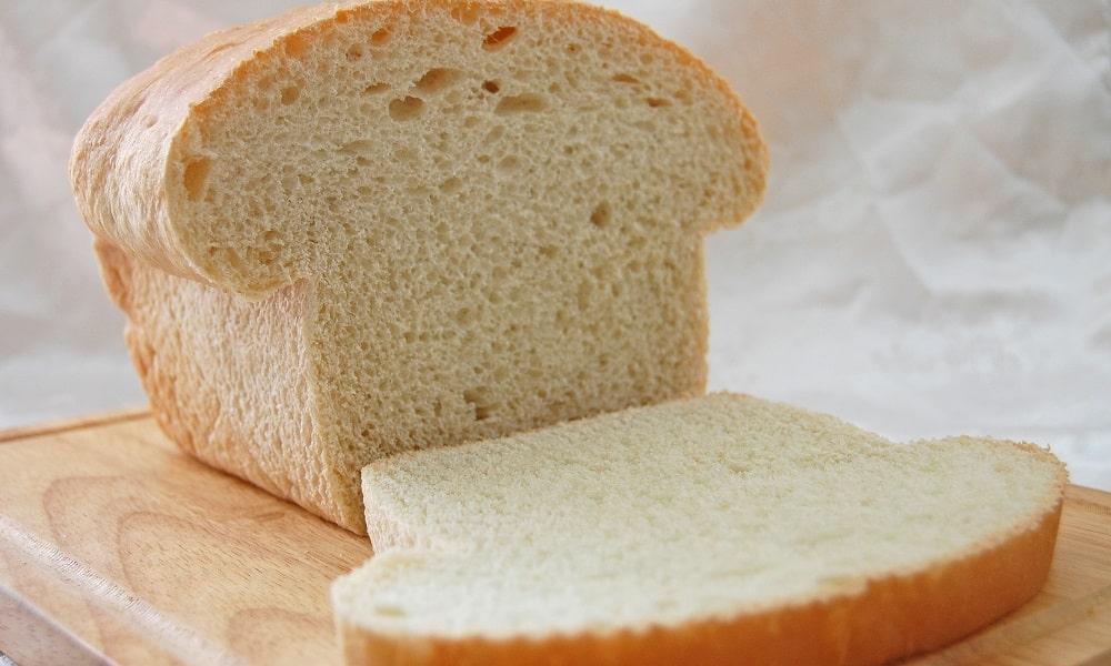 Больному разрешено употребление только вчерашнего, подсушенного хлеба