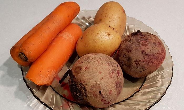 Свекла, морковь, картофель - лидеры по содержанию необходимых для нормального функционирования органов пищеварения веществ