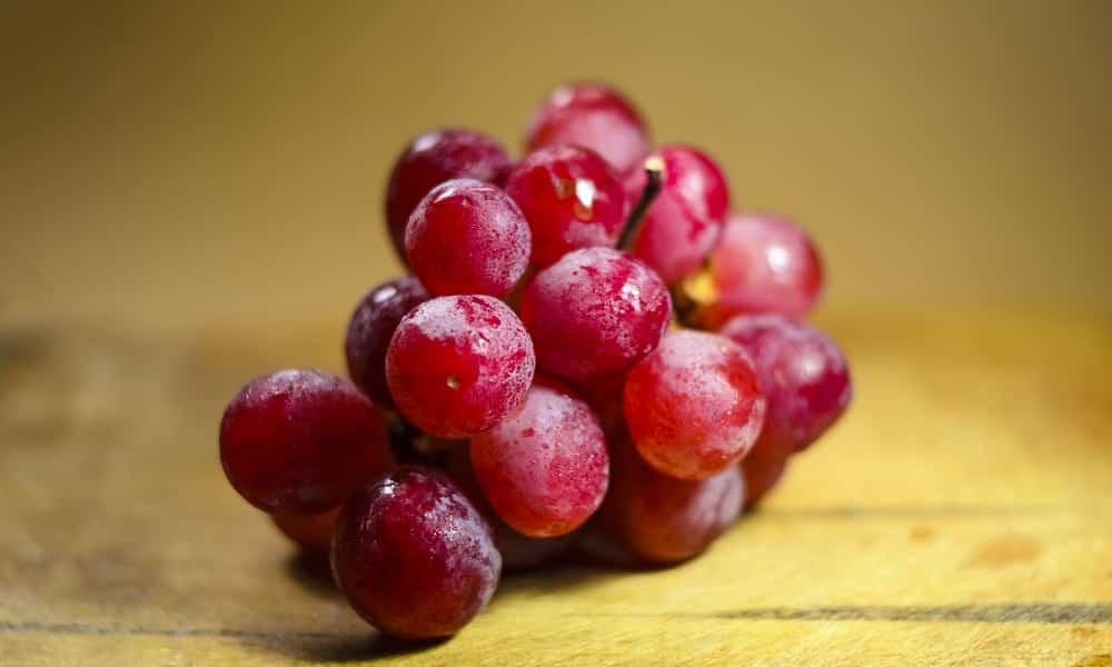 Красный виноград предотвращает появление злокачественных образований