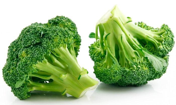 Брокколи входит в список продуктов богатых витамином B