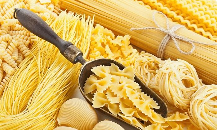 Отварные вермишель, спагетти, лапша могут быть использованы как добавка к овощным супам или в качестве гарнира к мясу или рыбе